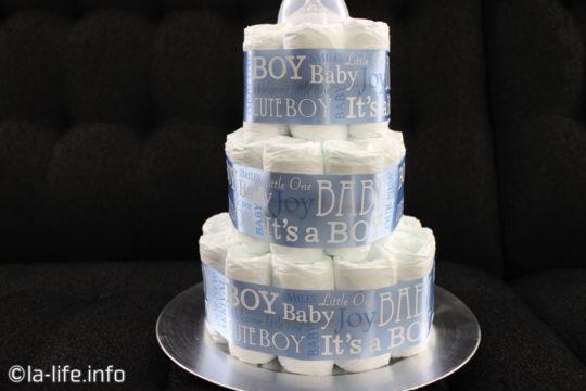 アメリカで人気のダイパーケーキ(diaper cake)おむつケーキ3段の簡単な作り方