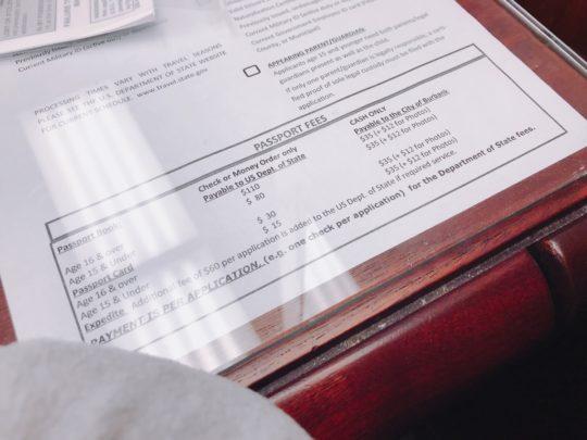 費用支払い:アメリカで赤ちゃんのパスポートを申請する際の持ち物リスト!